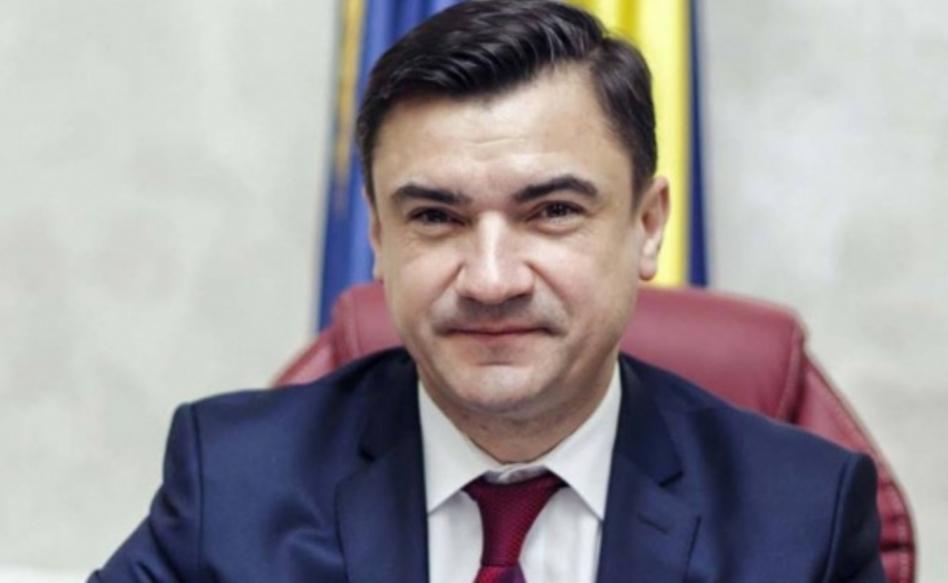 """Mihai Chirica (5 case): """"Cei care pleacă din țară ajung prostituate și sclavi"""". Aia e, nu toți au șansa să ajungă curve politice acasă"""