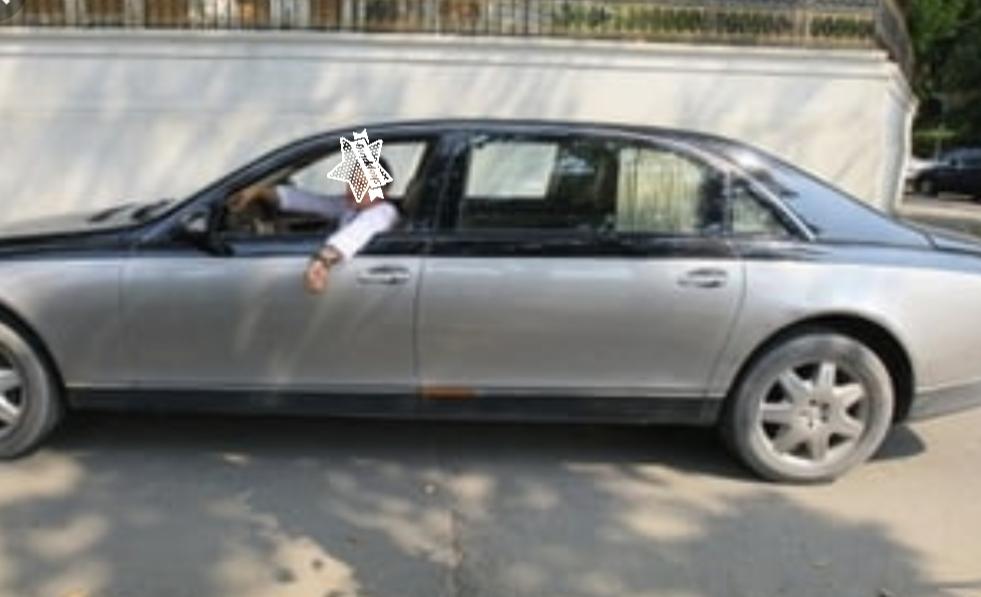 Alertă: Prin Pipera circulă un Maybach cu șoferul fără cap!
