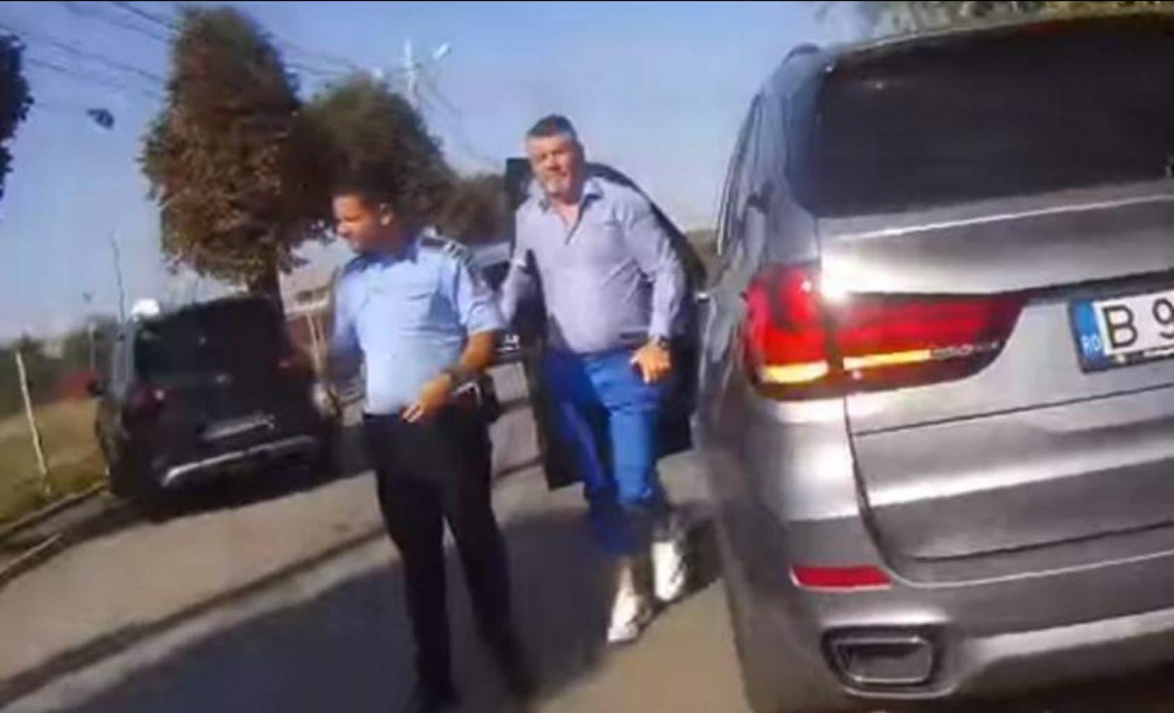 """Consilier şi cocalar PSD către agentul de la circulație: """"In p… mea, îți arăt eu ție!"""" De când i-am slăbit cu M…PSD, au prins din nou glas!"""