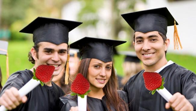 """O facultate in București a dat lovitura:""""Peste 70% dintre absolvenţii noştri și-au găsit de muncă în Italia și Spania!"""""""