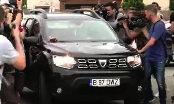 A apărut ambulanța neagră pentru politicieni!