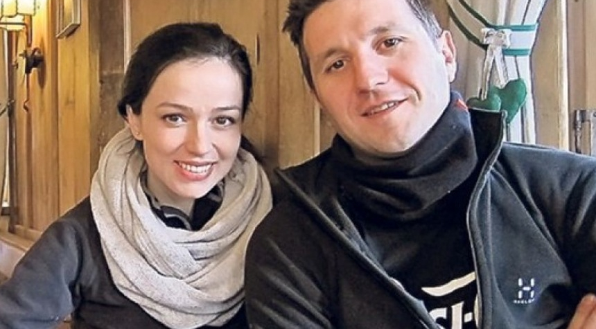 Andi Moisescu a făcut urticarie după ce l-a tratat soția de Covid cu alifie din căcăreze de cerb și arici!