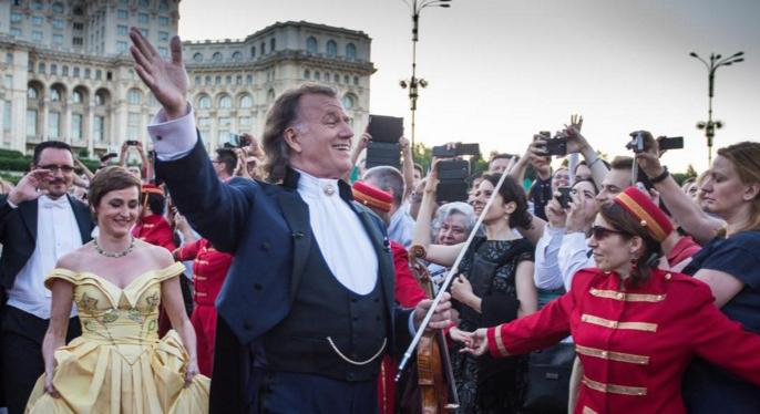 Andre Rieu - măscăriciul cu vioară care îi face pe proști să se creadă culți!