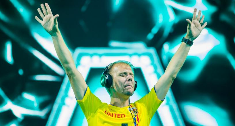 S-a aflat de ce a mixat Armin van Buuren 7 ore la Untold: Atât durează melodia MUIEPSD!