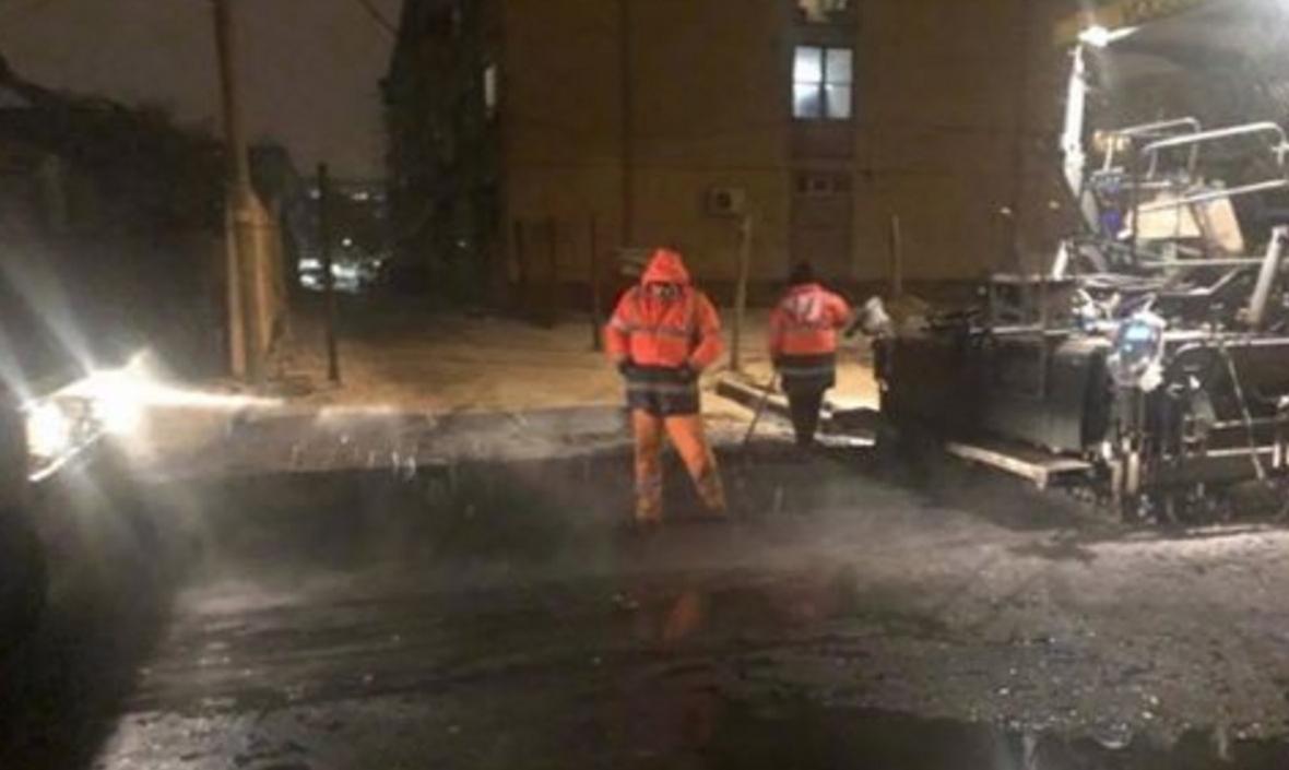 Alianța Sudului:La Craiova se asfaltează pe ninsoare, iar la București se pun panseluțe!