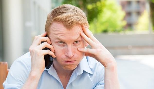 Așteaptă din 2015 ca o companie de telefonie să-i preia apelul, care e foarte important pentru ei!