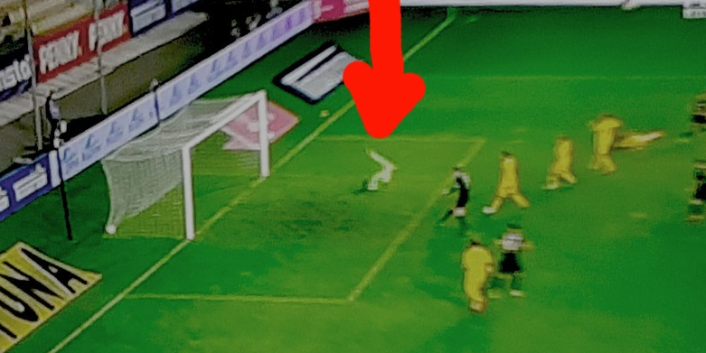 1-0 pentru Austria! Arbitrul a validat golul, deşi Tătăruşanu era în offside, iar Marica la duş, într-un hotel din Cluj!