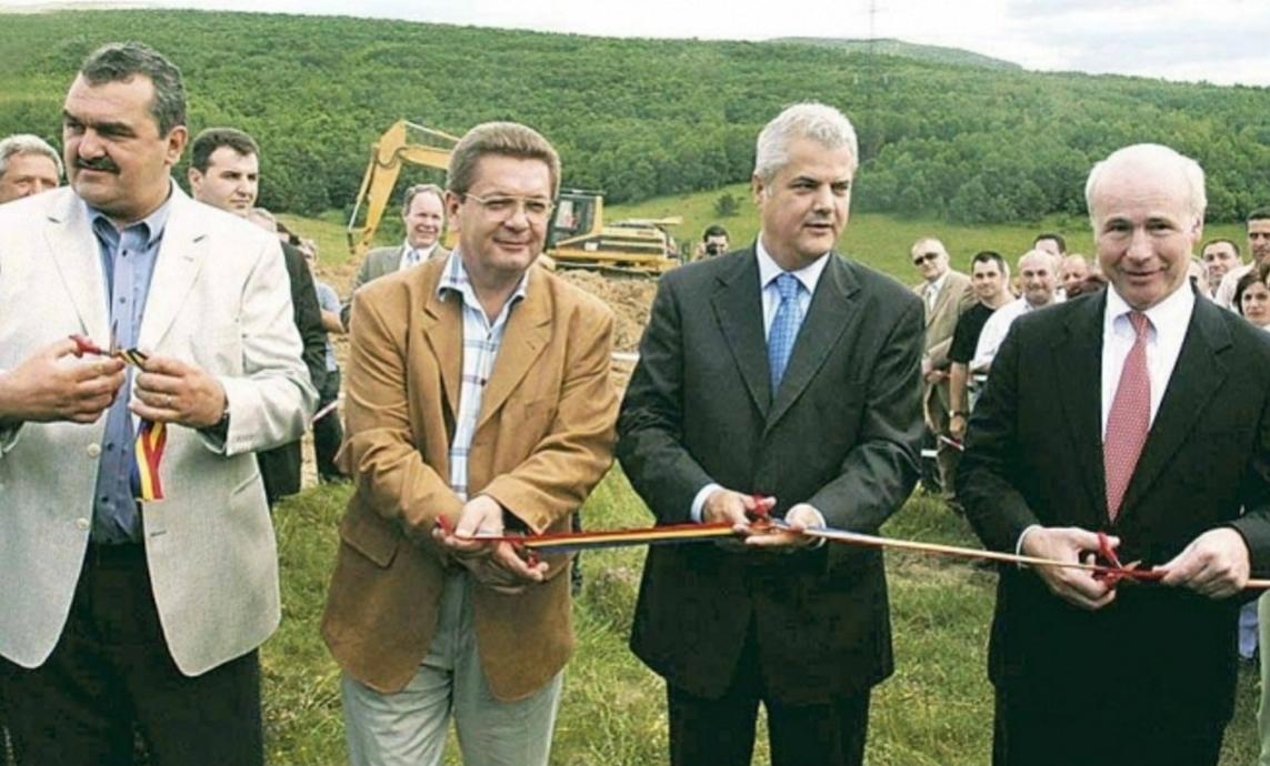 Pozăde colecție: 15 ani de când s-a început Autostrada Transilvania. Până acum, s-au dat în folosință 500 de kilometri de panglică