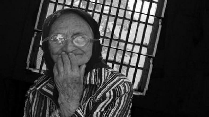 O bătrână care a furat o pâine va face doar 3 ani cu executare după ce şi-a recunoscut fapta!