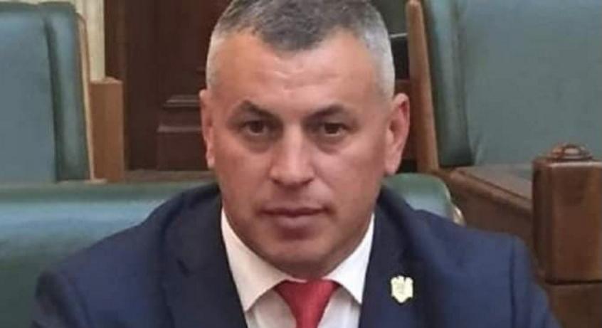 PNL-istul care a dat BAC-ul la 42 de ani a făcut contestație şi a obținut mărirea notei luate la română de la 3.60 la 3.75. Acum s-e poate apuka liniştit de furat