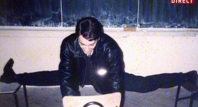 Mircea Badea era talentat din liceu: stătea cu picioarele desfăcute mai mult decât fetele!