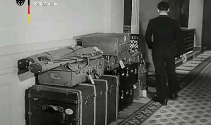 În atenția mâncătorilor de kko: ăsta a fost tot bagajul Regelui Mihai când a părăsit România în ianuarie 1948