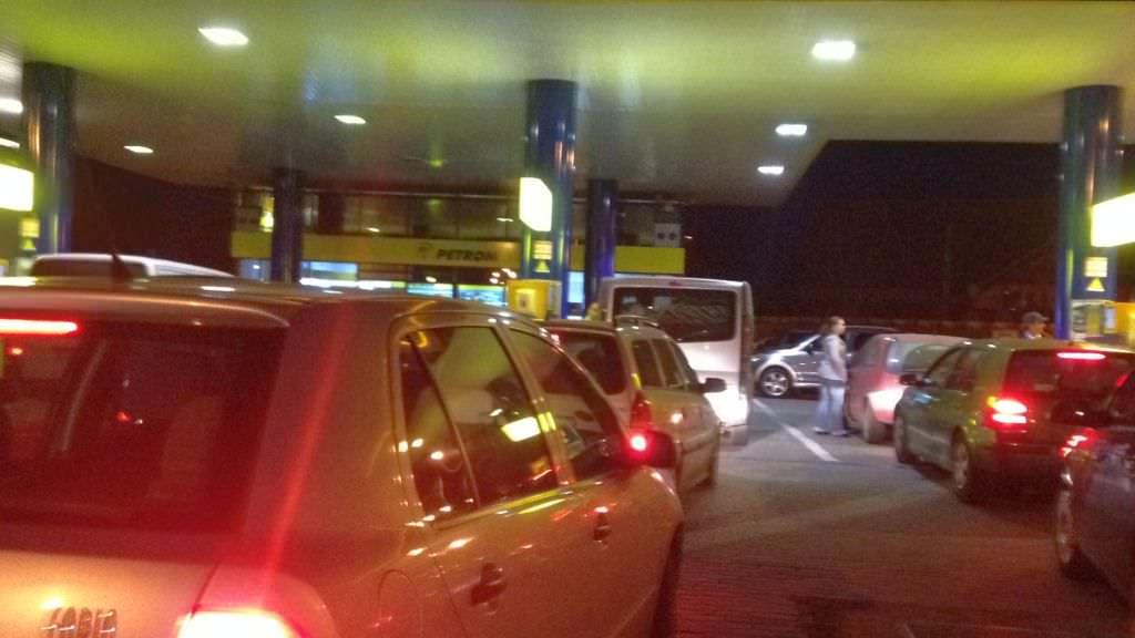 România va scumpi preventiv benzina, nu cumva să o ia pe nepregătite războiul dintre Iran și SUA!