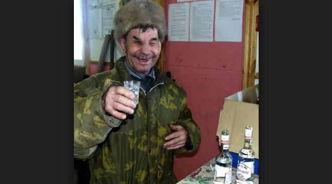 Un moldovean nu a mai dormit de 2 ani de frică să nu se trezească din beție în somn!