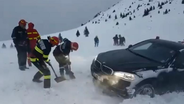 Degeaba ai BMW dacănu rămâi blocat vara în nisip pe plajăşi iarna în zăpadăpe munte, în locuri închise circulației rutiere!