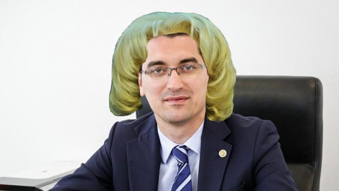 Burleanu e disperat: și-a trecut în CV că a fost secretară la Videle, poate îl alege Dragnea pe el!