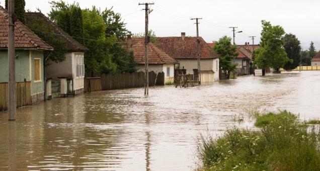 Stare de calamitate în Moldova: sute de mii de familii au în casă mai multă apă decât țuică!