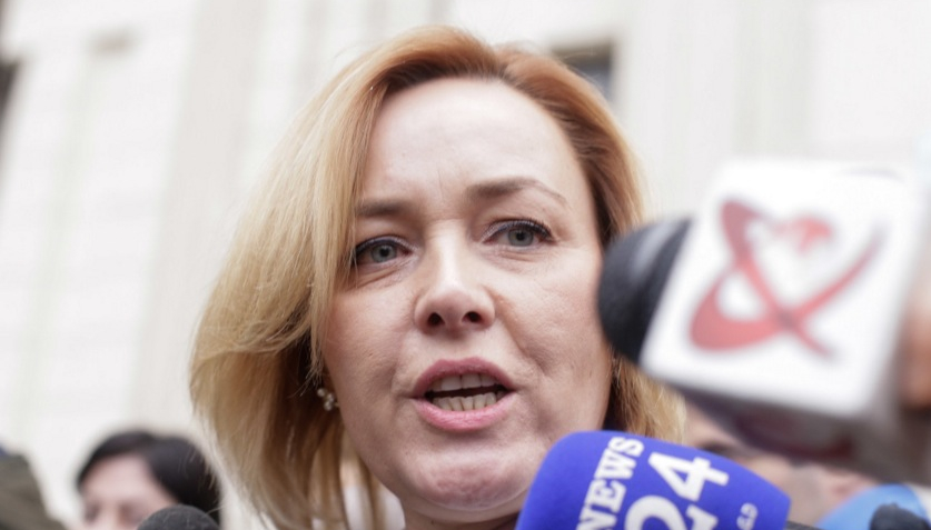 Pe Carmen Gaz le e frică să o dea afară din PSD, că se apucă să vorbească despre 10 August!