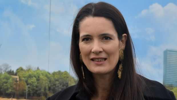 Antena 3: Clotilde Armand a furat atât de mult din România încât Firea, Dragnea şi ceilalți patrioți n-au mai avut ce să fure în țara lor!