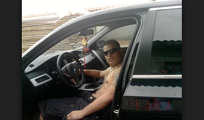 Accident de mașină în București: un cocalar și-a luat X5 și a murit de foame!