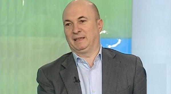 Caz disperat de penis captivus la Antena3: nu îl mai pot scoate pe Codrin din studio!