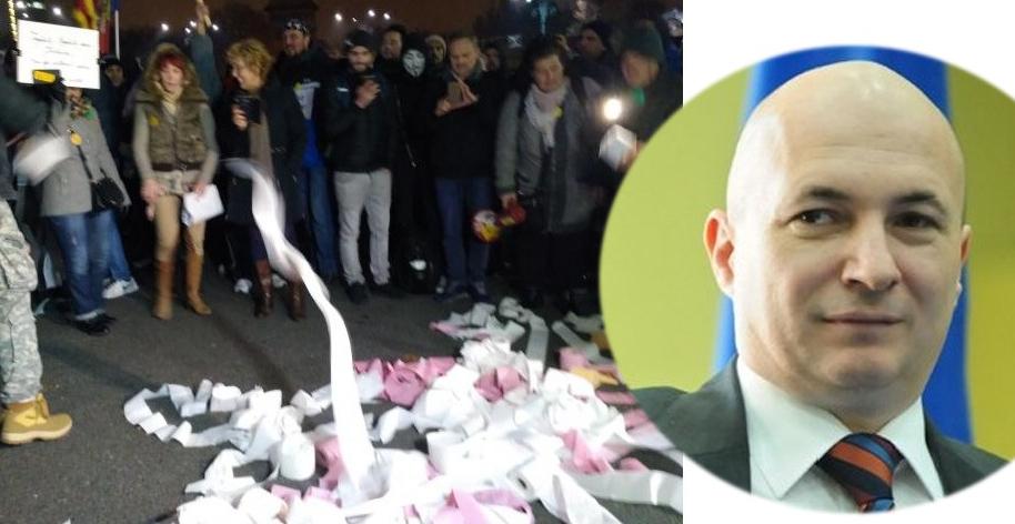 Codrin Ștefănescu i-a devenit inutil lui Dragnea după ce protestatarii au umplut sediul PSD cu hârtie igienică!