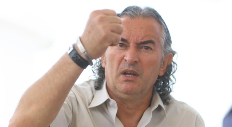 Există şi mineri fericiți: Miron Cozma ia pensie de 7000 de lei de la statul pe care l-a destabilizat atacându-i capitala cu bâta.Somn ușor, România!