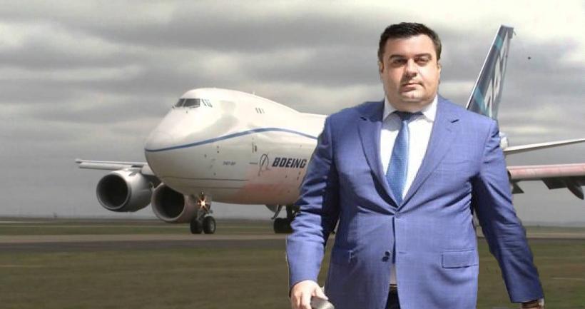 Ca să arate că tot ce zboară se mănâncă, ministrul Transporturilor a mâncat un Boeing 747!