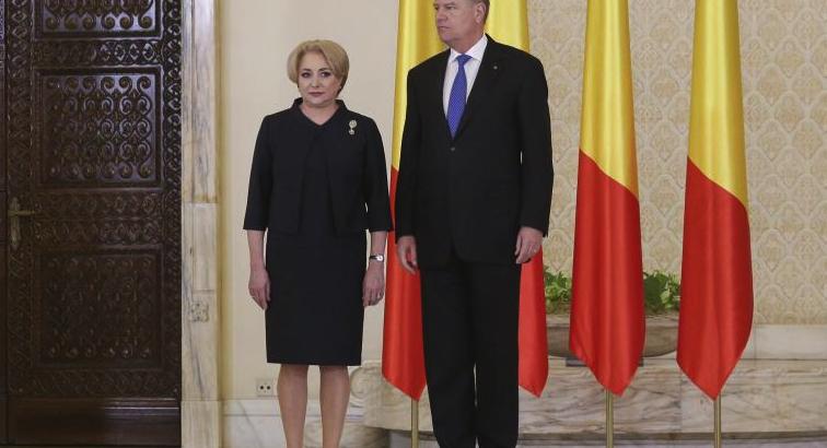 """Viorica şi-a schimbat sloganul de campanie: """"Decât înalt şi neamț, mai bine mică şi tută!"""""""