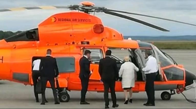 """Veorica către pilotul elicopterului în timpul zborului: """"Oprește ventilatoru' ăla mare de deasupra că mă trage la șale!"""""""