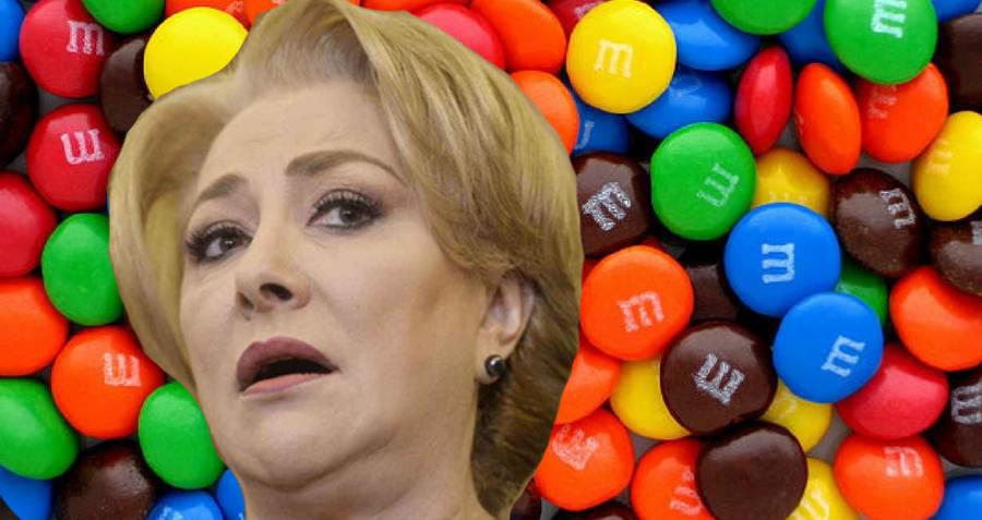 Viorica Dăncilă și-a găsit serviciu: trebuiesă pună în ordine alfabetică bomboanele M&M!