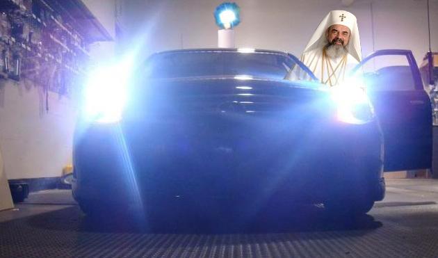 Miracol într-un service auto: ÎPS Daniel a luat lumină cu Xenon
