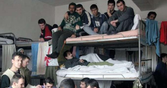 Tot mai mulți deținuți eliberați se întorc în închisoare din cauza condițiilor inumanedin libertate!