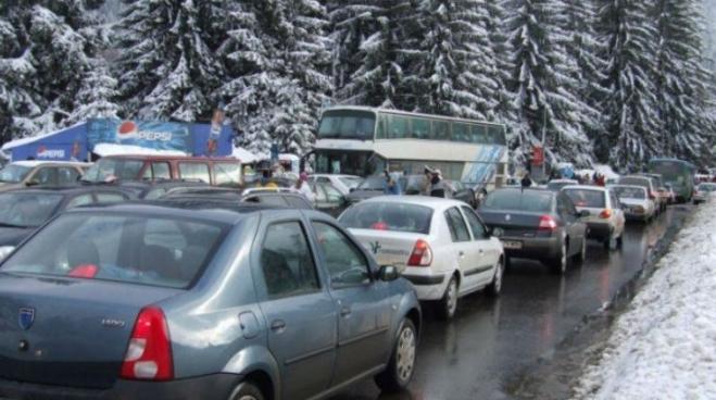 """DN1, declarat oficial""""Cea mai mare parcare din lume"""": zeci de mii de mașini stau nemișcate cu orele!"""