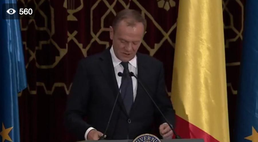 Donald Tusk a vorbit în limba română fără greșeală.Urmează să vorbească și Viorica, într-o limbă necunoscută