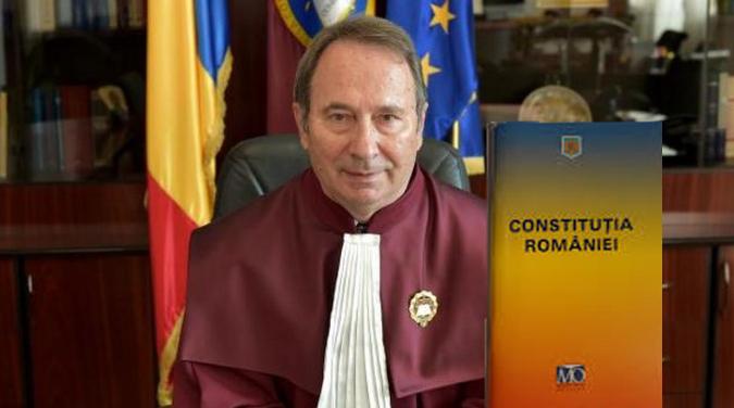 Am terminat de citit Constituția României. La final, România moare!