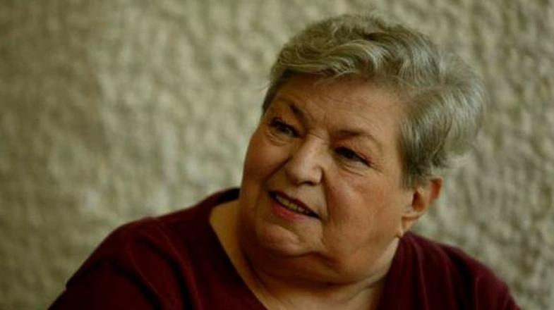 Draga Olteanu Matei, internată în stare foarte gravă!Doamne, ia 10-15 ani de la Iliescu şi dă-i ei!