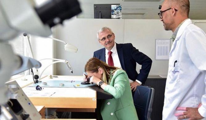 Chiar credeți că Dragneaa fost în Elveția să-i arate Irinucăi ceasuri? Poate a fost să-i arateconturile!