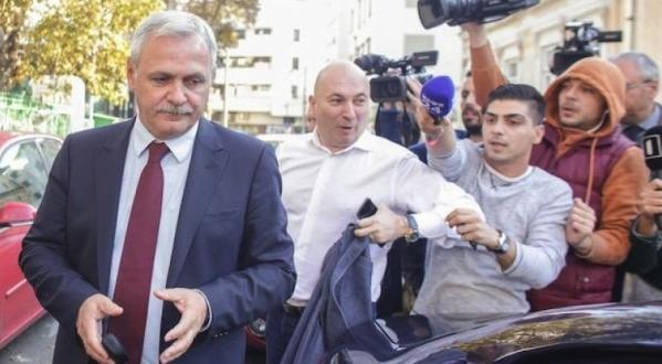 Dragnea scapă de pușcărie dacă fură și tu iei 3 ani cu executare dacă îl faci hoț, că l-ai insultat. Bravo România!