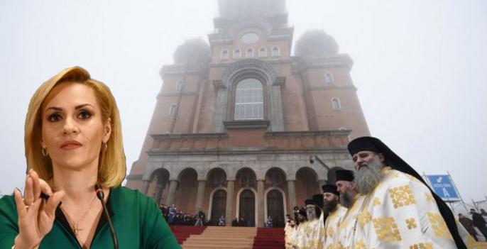 Bucureștenii care nu au căldură pot merge la Catedrală să se încălzească la lumânări!