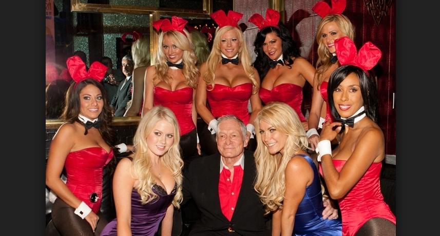 Atenție bărbați! Văduvele lui Hugh Hefner vor da de pomană ce i-a plăcut defunctului mai mult!