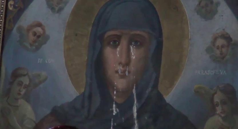 Panică la o mănăstire din Bucovina: unei icoane care lăcrima a început să-i curgă și nasul!