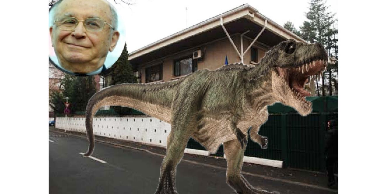 Natura recucereşte oraşul: pe strada lui Iliescu a apărut un tiranozaur!