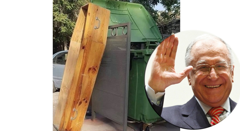 Iliescu a cerut urna mobilă!