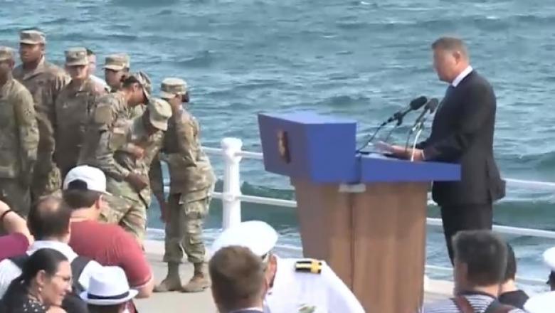Soldatul a leșinat când l-a auzit pe Iohannis că vorbește!