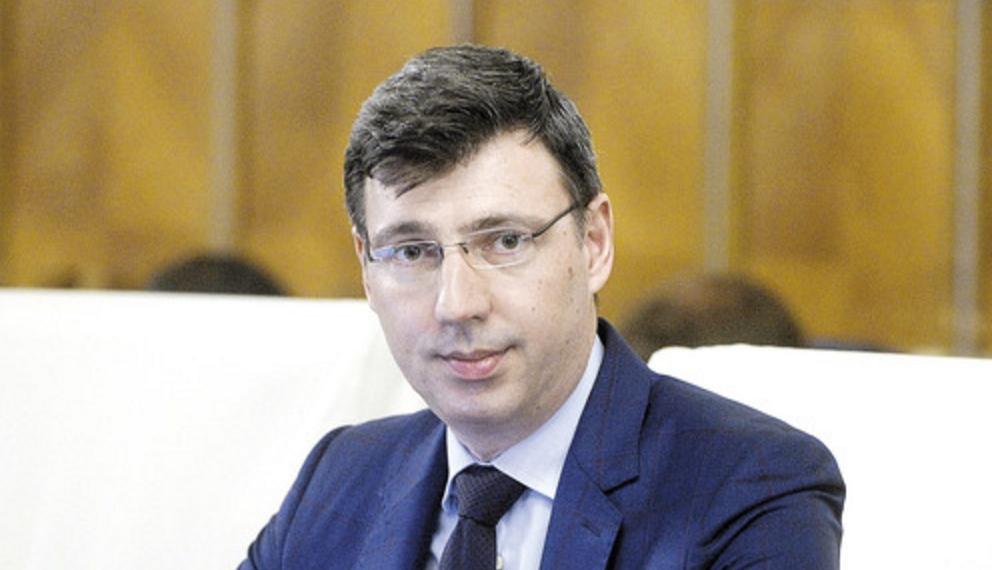 Ionuț Mișa, ministrul de Finanțe, și-a pus tot salariul de anul ăsta la bancă. A trăit cu aer, că doar nu din șmenuri