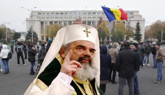 """ÎPS Daniel protestează în fața Guvernului: """"Taxele trebuie colectate direct sfânta biserică!"""""""