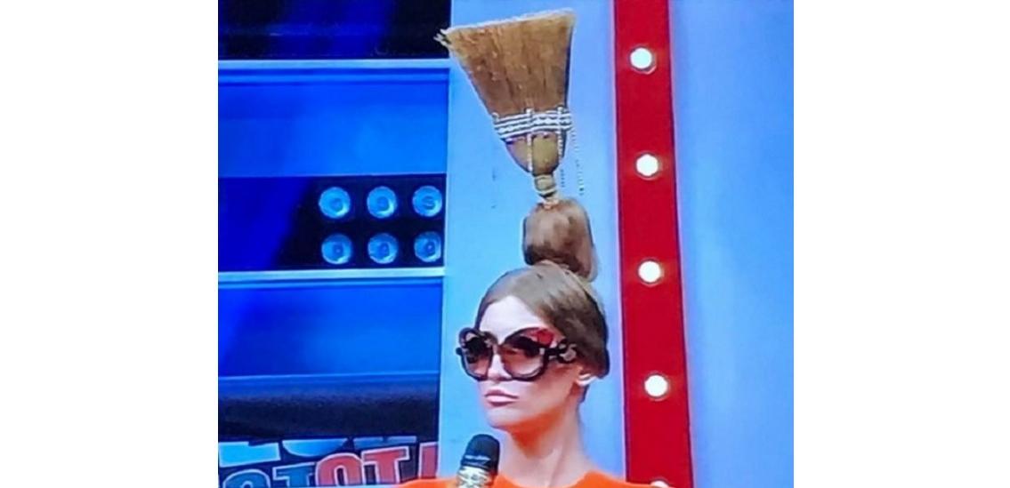 Bravo, Iulia Albu, ai stil și când dai jos păianjenii de pe tavan!