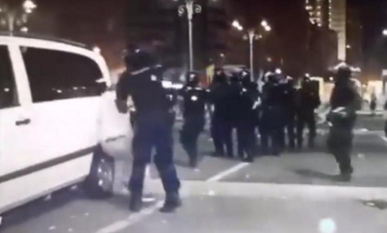 Pentru cine a uitat ce s-a întâmplat acum un an: Jandarmeria a băgat 450 de românipașnici în spital ca să-l apere pe infractorul Dragnea