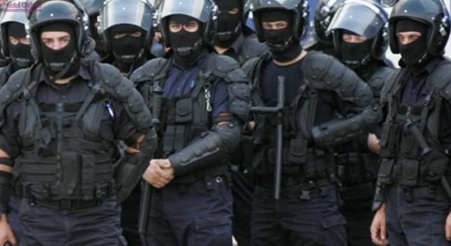"""Jandarmeria liniștește populația: """"Dacă ne atacă rușii, tot pe voi vă batem!"""""""